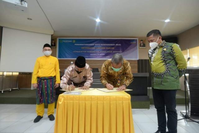 Bangga Jadi Alumni Unilak, Bupati Adil Jalin Kerjasama
