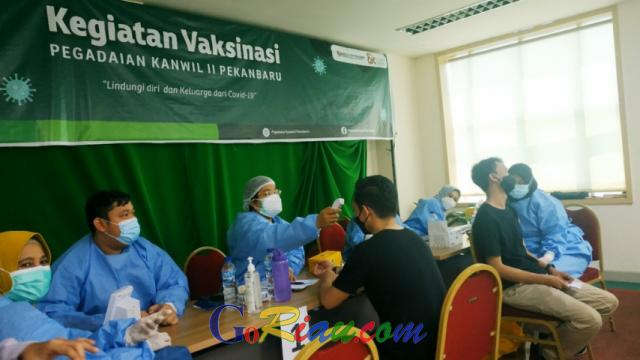 Pegadaian Kanwil II Pekanbaru Gelar Vaksinasi Tahap Pertama Bagi Karyawan dan Keluarga, Kuotanya 500 Dosis hingga Tahap Kedua