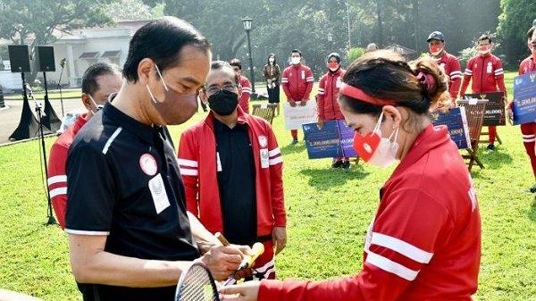 Leani Ratri Terima Bonus Rp13,5 Miliar dari Presiden Jokowi