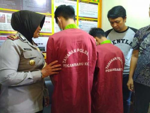 Tidur di Hotel Bersama 2 Cewek Umur 16 Tahun, 2 Pemuda di Pekanbaru Ditahan Polisi