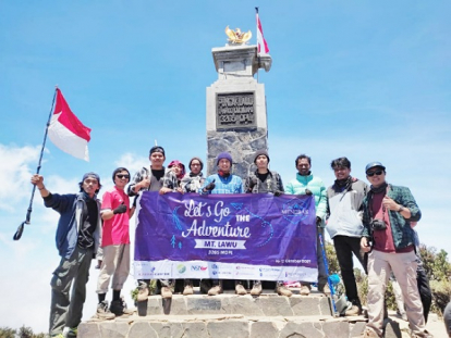 Belasan Pemuda Asal Kepulauan Meranti Bertualang Mendaki Gunung di Tanah Jawa