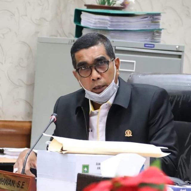 Parisman Ihwan: Libas Semua Reklame Illegal di Pekanbaru, Walaupun yang Punya Oknum Pejabat