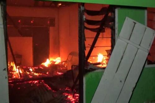 Ponpes Terbesar di Polewali Mandar Terbakar Saat Santri Shalat Magrib, Kerugian Miliaran Rupiah