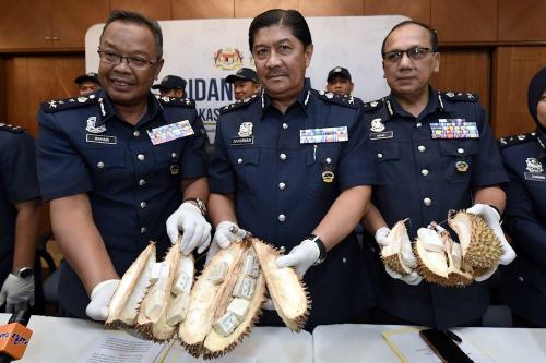 Bawa Durian Rp3,2 Miliar, Wanita Berusia 34 Tahun Ditahan Petugas Bandara Subang