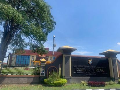 Bupati Kuansing Andi Putra dan Sejumlah Pejabat Jalani Pemeriksaan KPK di Polda Riau