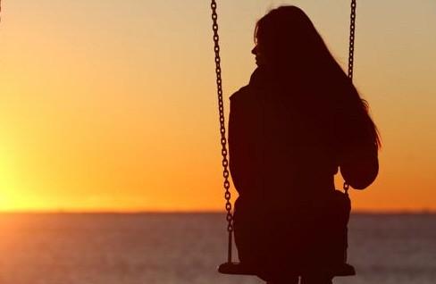 Banyak Wanita Selalu Teringat Mantan Kekasih, Ini 4 Alasannya Kata Pakar Asmara