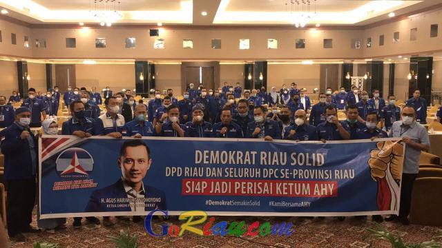 Deklarasi Dukung AHY, Demokrat Riau Berikan Tandatangan dan Cap Darah, Asri: Kami Siap Jadi Perisai