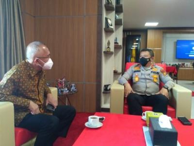 Andi Rachman Minta Menkes Segera Realisasikan Penambahan Vaksin untuk Riau