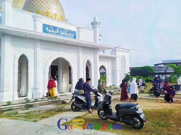Pelaksanaan Salat Idul Adha di Tengah Pandemi Covid-19 di Desa Banglas Terapkan Prokes