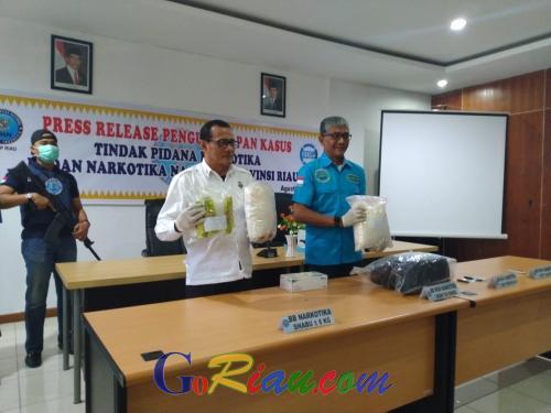 Viral Video Penangkapan Pengedar Narkoba di Pekanbaru, Ini Penjelasan BNNP Riau
