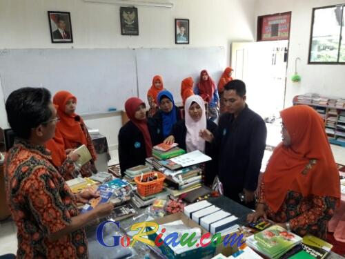 Menjadi Juara Nasional, Perpustakan Tenas Effendi Cendana Duri Dikunjungi Rombongan SMAN 1 Bengkalis