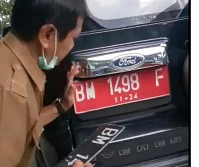 Mobil Dinas Plat Merah Diganti Jadi Plat Hitam, Kabid PUPR Kampar Pasrah Jika Ditarik