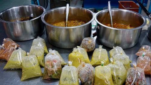 Makanan Panas Dibungkus Kantong Plastik Picu Kanker Payudara, Ini Penjelasannya
