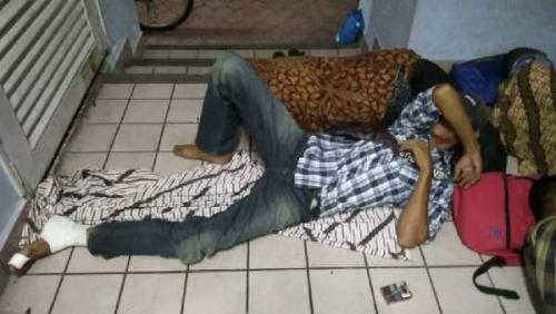 Malaysia - Indonesia <i>Lockdown</i>, 57 Warga Riau Terlantar di Pelabuhan Feri Muar Johor Malaysia