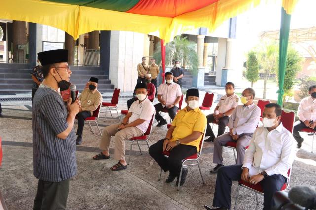 Semangat Berkurban Tinggi, DPRD Riau Sembelih 20 Ekor Sapi