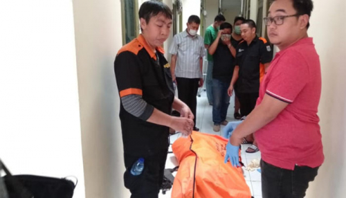 Wanita Muda Tewas dalam Kamar Kos di Pancoran, pada Kemaluannya Tersembul Kepala Bayi