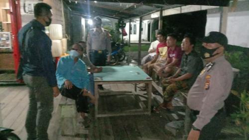 Cegah Penyebaran Virus Corona, Personel Polsek Rangsang Patroli Social Distancing