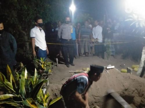 Wafat Usai Melahirkan, Makam Anis Dibongkar OTK, 2 Lembar Kain Kafan Hilang