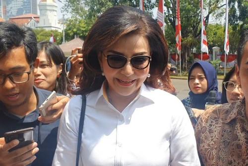 Datang ke Istana Tadi Pagi, Bupati Minahasa Selatan Tetty Paruntu Ternyata Tak Diundang Jokowi
