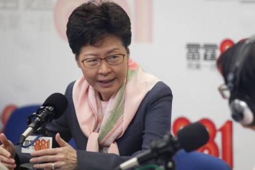 Polisi Tak Sengaja Semprotkan Meriam Air ke Masjid, Pemimpin Hong Kong Datang Pakai Selendang Meminta Maaf