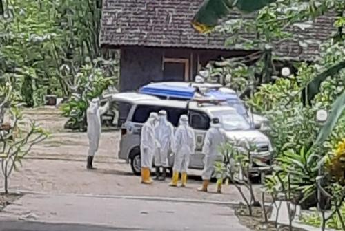Ambulans Bawa Pasien Reaktif Corona Dihadang Warga, Baru Bisa Lewat Setelah Polisi Tiba