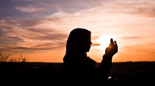 Kisah Mualaf Anita Nayyar, Pakai Jilbab Sebagai Wujud Kedekatan dengan Allah SWT