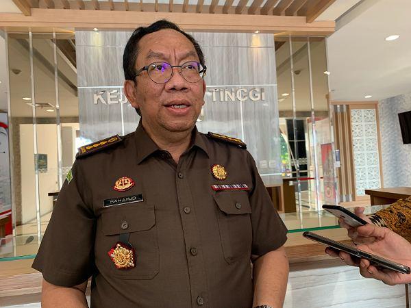 HBA ke-61, Kejati Tetapkan Mantan Bupati Jadi Tersangka dan Tahan 3 Orang Tersangka Korupsi di Riau