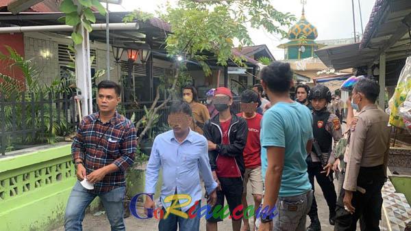 Polresta Pekanbaru Gerebek Tiga Rumah di Pangeran Hidayat, Empat Pria Diangkut