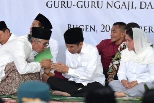 Di Hadapan Para Kiai dan Santri, Jokowi Sebut Ada yang Tuduh Dirinya Aktivis PKI, Padahal . . . .