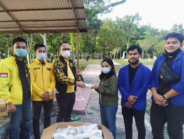 AMPG Riau Distribusikan 1.680 Masker untuk Warga Rumbai