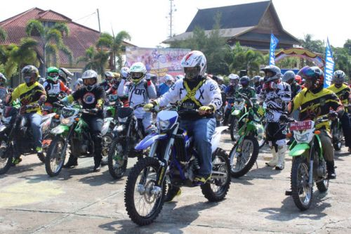 Bupati H Yopi Arianto SE Kumpul Bersama Komunitas Trabas se-Inhu