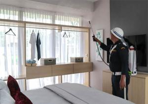 Respons Cepat Antisipasi Corona, Wiraland Semprot Disinfektan di Areal Perumahan dan Rumah Contoh