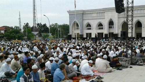 Shalat Idul Fitri di Rumah, Ini Panduan Praktis dari MUI