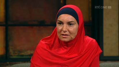 Setelah Mualaf, Penyanyi Sinead OConnor Lebih Suka Dipanggil Shuhada Sadaqat