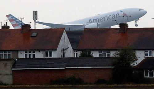 Para Penumpang dan Kru Mendadak Mual, Pesawat Terpaksa Mendarat Darurat, Ternyata Ini Penyebabnya