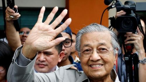 Mahathir Mundur di Tengah Rencana Pendukungnya Halangi Transisi ke Anwar Ibrahim