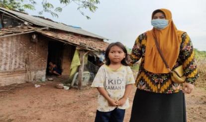 Kisah Pilu Sinta Murni, Bocah 7 Tahun Harus Mencari Nafkah dan Merawat Ibunya yang Depresi Sendirian