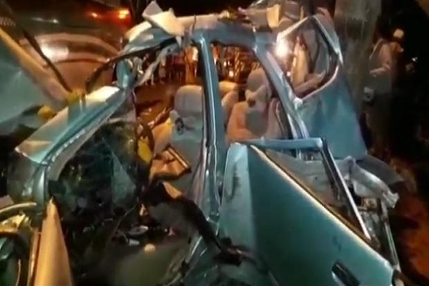 Mobil Xenia Hancur Ditabrak Bus, 6 Orang Sekeluarga Tewas Seketika