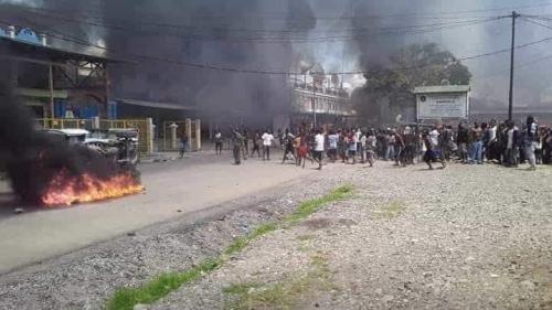 Rusuh di Wamena, Korban Tewas 22 Orang, Satu Keluarga Terjebak dalam Rumah yang Dibakar Massa