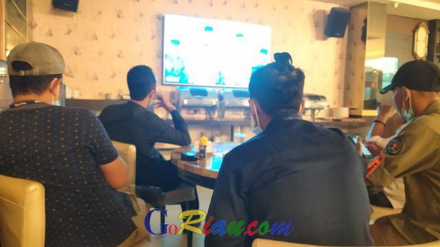 Debat Publik Pilkada Kepulauan Meranti, Wartawan Liputan Lewat Live Streaming