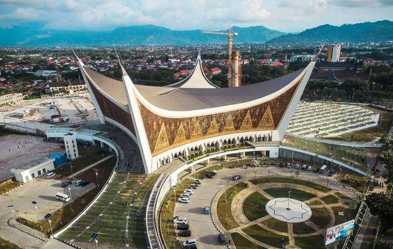 PNS yang Maling Dana Infak Masjid Raya Sumbar Dituntut 8 Tahun Bui dan Denda Rp350 Juta
