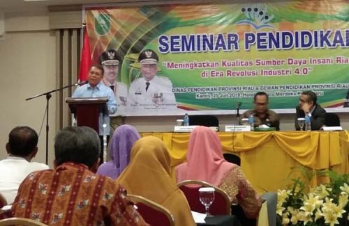 Wah, Nilai Ujian Nasional Siswa di Riau Terus Turun, Kompetensi Guru Juga Jauh dari Standar Nasional