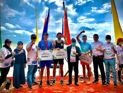 Liburun Pekanbaru Boyong Juara Terbanyak Running 10 K di Pulau Rupat