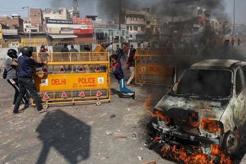 New Delhi Rusuh, Massa Bakar Masjid, 13 Orang Tewas