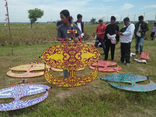 Dispar Riau Taja Festival Layang-layang Tradisional di Bungaraya Siak