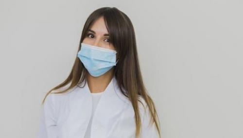 Dokter Larang Oleskan Minyak Kayu Putih pada Masker, Ini Penjelasannya
