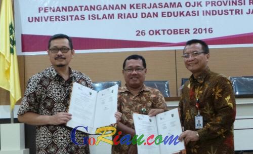 Edukasi Perlindungan Konsumen, OJK Riau Teken MoU bersama Fekon UIR
