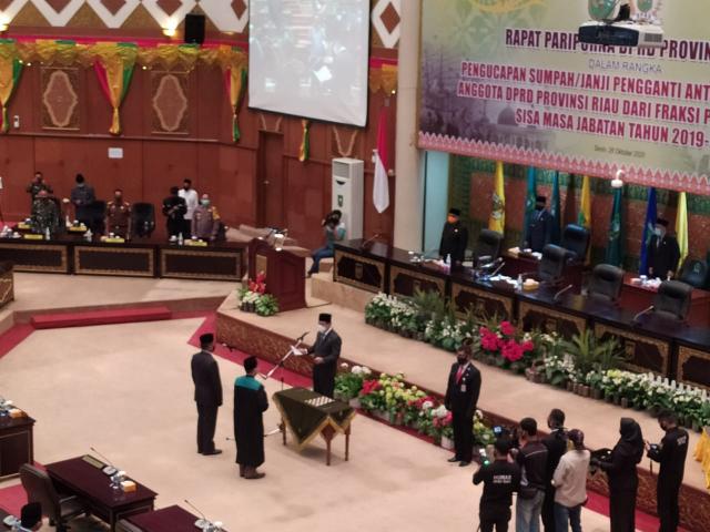 Sah, Syahroni Tua Jabat Anggota DPRD Riau Periode 2019-2024