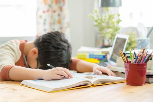 Tips Cegah Anak Stres Akibat Belajar Daring Saat Pandemi Covid-19