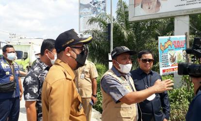 Rencana Pelebaran Jalan Lingkar Pangkalan Kerinci, Ketua DPRD Pelalawan Tinjau Lokasi